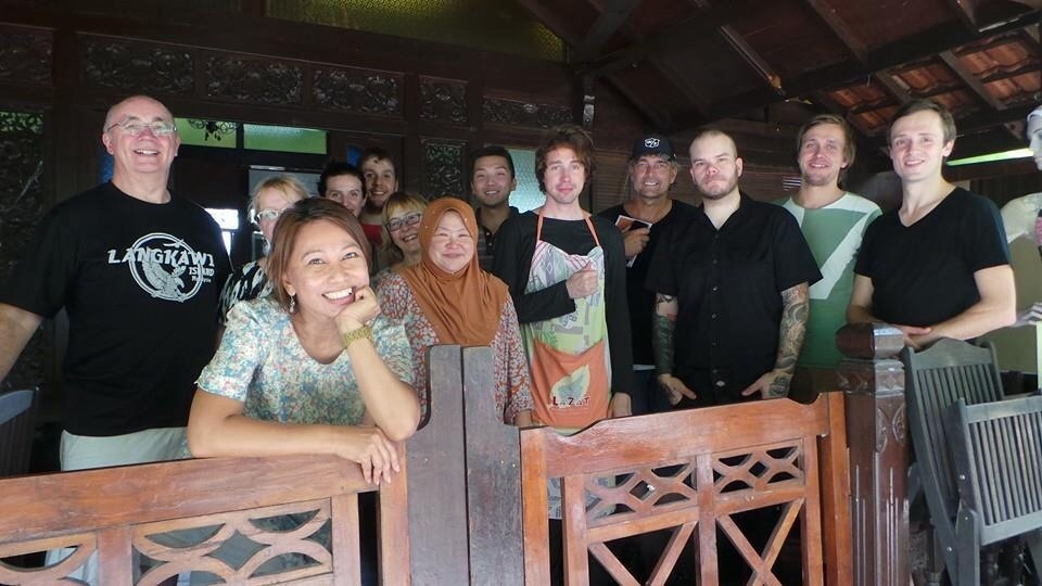 This was from 29/10 when Mew was in KL. (Sadly no Bo and Silas though maybe they didnt like to cook)